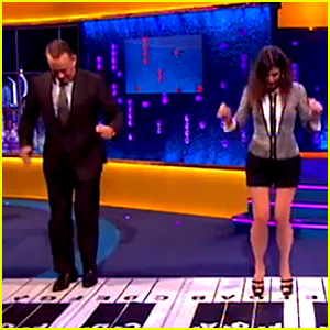 Sandra Bullock & Tom Hanks Recreate 'Big' Piano Scene!