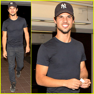 Taylor Lautner Was 'Perfect' as Porn Star Dirk Diggler