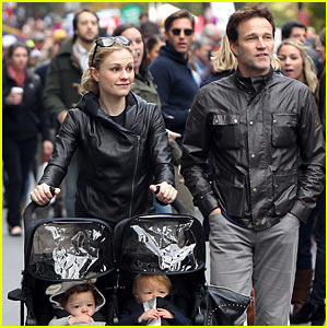 Anna Paquin & Stephen Moyer Watch Marathon with the Twins!