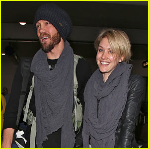 Chad Michael Murray & Nicky Whelan Hold Hands After Flight!