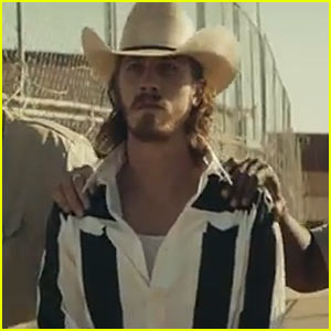 Garrett Hedlund: Kings of Leon's 'Beautiful War' Video Star - Watch Now!