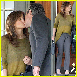 Jennifer Lopez: 'Boy Next Door' Kissing Scene with John Corbett!