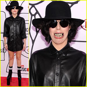 Lady Gaga: Fake Teeth Grillz for YouTube Music Awards 2013!