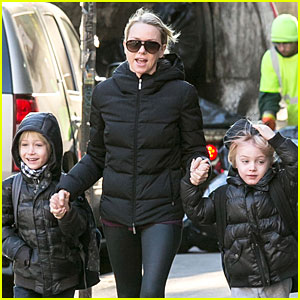 Naomi Watts: Matching Jackets with Sasha & Samuel!