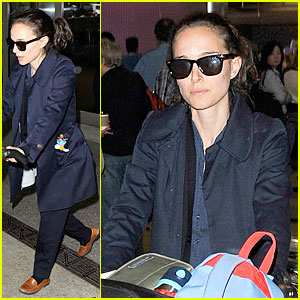 Natalie Portman: Baggage Cart Full of Luggage at LAX Airport!