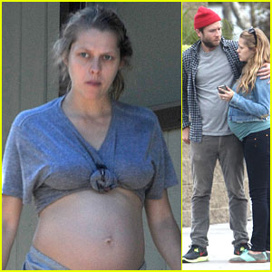 Teresa Palmer Shows Off Her Bare Baby Bump!