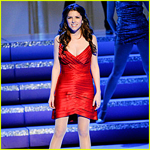 Anna Kendrick Performs at Kennedy Center Honors 2013 (Video)