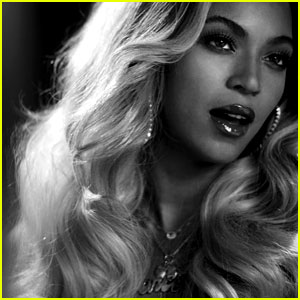 Beyonce's Visual Album is 2013's Top Selling Female Debut!