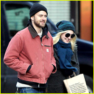 Dakota Fanning & Boyfriend Jamie Strachan Walk Arm in Arm in New York City