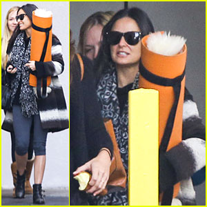 Demi Moore: Yoga Session Before the Holidays!
