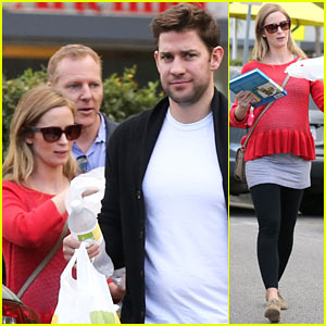 Emily Blunt: Baby Bumpin' to Lunch with John Krasinski!
