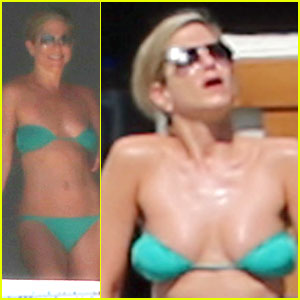 Jennifer Aniston Wears Barely There Bikini in Cabo!