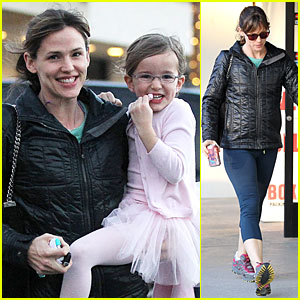 Jennifer Garner Wraps Week with Seraphina's Ballet Class!