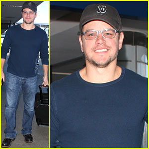 Matt Damon Arrives in Las Vegas with a Smile!
