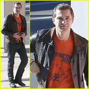 Olivier Martinez: Super Bowl Fan in West Hollywood!