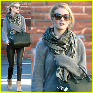 Rosie Huntington-Whiteley: Wild Christmas Eve Grocery Run!