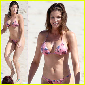 Stephanie Seymour Shows Off Amazing Bikini Body at 45