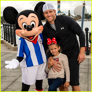 The Bachelor's Juan Pablo Galavis Visits Disney World with Daughter Camila