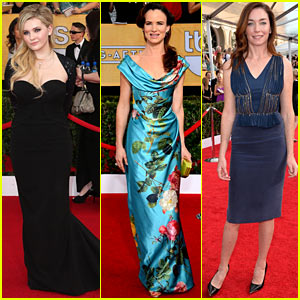 Abigail Breslin & Juliette Lewis - SAG Awards 2014 Red Carpet
