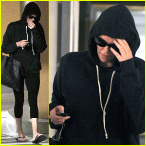 Charlize Theron Steps Out Solo After Week with Sean Penn