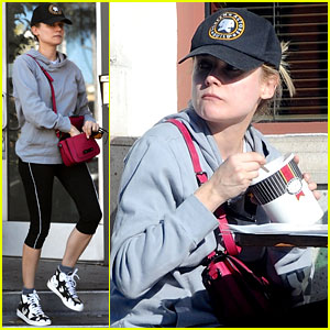 Diane Kruger Grabs Food at Gelson's After Weekend Workout