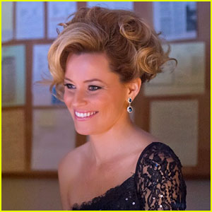 Elizabeth Banks is Directing 'Pitch Perfect 2'!
