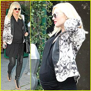 Gwen Stefani: Happy Birthday Tom Dumont!