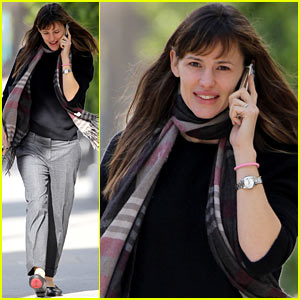 Jennifer Garner Looks Fresh Faced After Long Holiday Break!