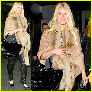 Jessica Simpson: Weight Watchers Google Chat on Tuesday!