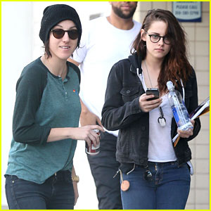 Kristen Stewart Goes to the Library with Pal Alicia!