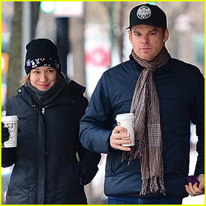 Michael C. Hall & Morgan Macgregor: Hudson River Dog Walk!