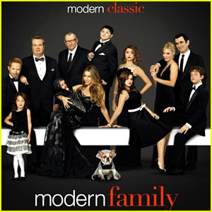 Modern Family' WINS Outstanding Comedy Series Ensemble at SAG ...