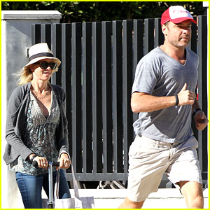 Naomi Watts & Liev Schreiber Run After the Kids at the Park
