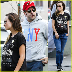 Olivia Wilde: Basketball Game Date with Jason Sudeikis!