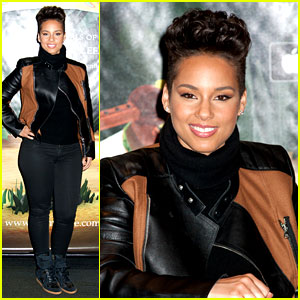 Alicia Keys Debuts Unreleased Song for Valentine's Day!