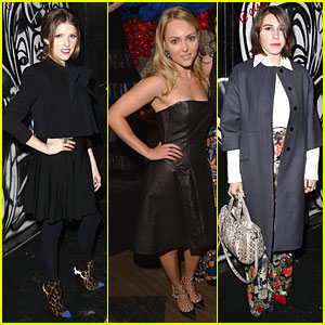 Anna Kendrick & AnnaSophia Robb: Alice + Olivia Fashion Show!