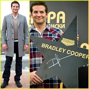 Bradley Cooper Brings 'American Hustle' to Moscow!