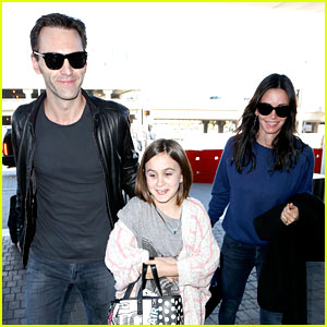 Courteney Cox & Boyfriend Johnny McDaid: Valentine's Day Flight with Coco!