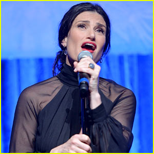 Idina Menzel Performing 'Let it Go' at Oscars 2014!