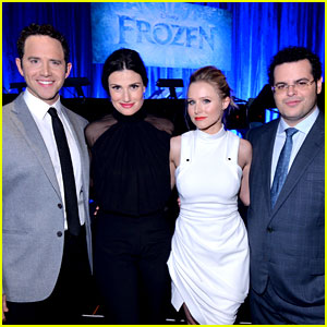 Idina Menzel Sings 'Let It Go' Live for 'Frozen' Cast Reunion!