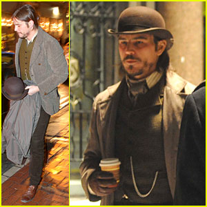 Josh Hartnett Arrives in Full Costume on 'Penny Dreadful' Set!