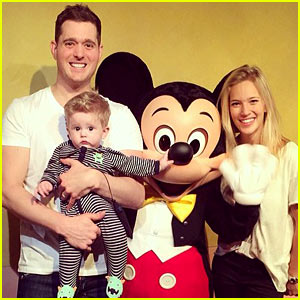 Michael Buble, Luisana Lopilato, & Noah: Family Portrait at Disneyland!