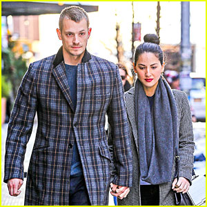 Olivia Munn & Joel Kinnaman Hold Hands on Wet Valentine's Day!