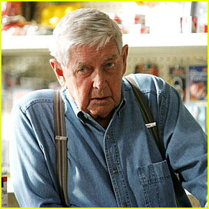 Ralph Waite Dead - 'The Waltons' Patriarch Dies at 85