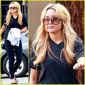 Amanda Bynes Looks Happy with Her Family at the Movies!