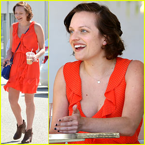 Elisabeth Moss Has a Really Funny Helen Mirren Story!