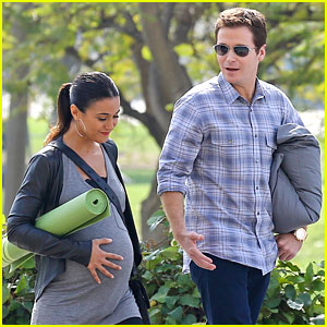 Emmanuelle Chriqui: Fake Baby Bump for 'Entourage' Movie!
