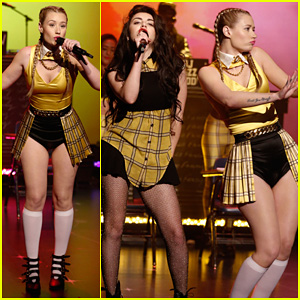 Iggy Azalea Hits the Stage at 'Late Night with Seth Meyers'!