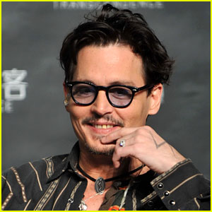 Johnny Deep Confirms Engagement, Shows Off His 'Chick Ring'!