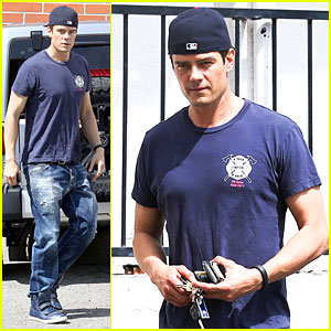 Josh Duhamel Just Can't Get Enough of Early World Restaurant!
